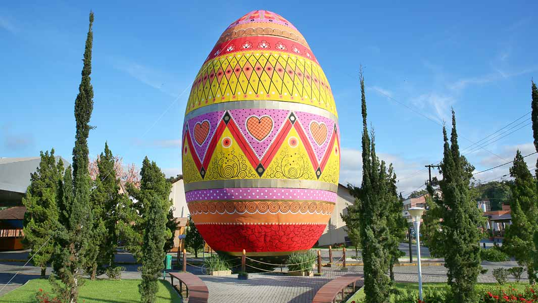 The Largest decorated Easter Egg in Brazil