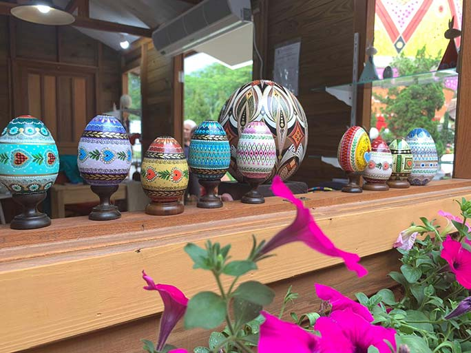 Easter eggs decorated by Silvana Pujol