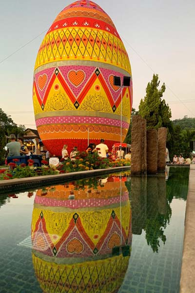 Largest decorated Easter egg reflection